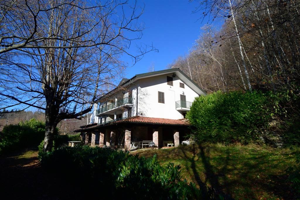 Villa in vendita a Andrate, 13 locali, prezzo € 199.000 | Cambio Casa.it