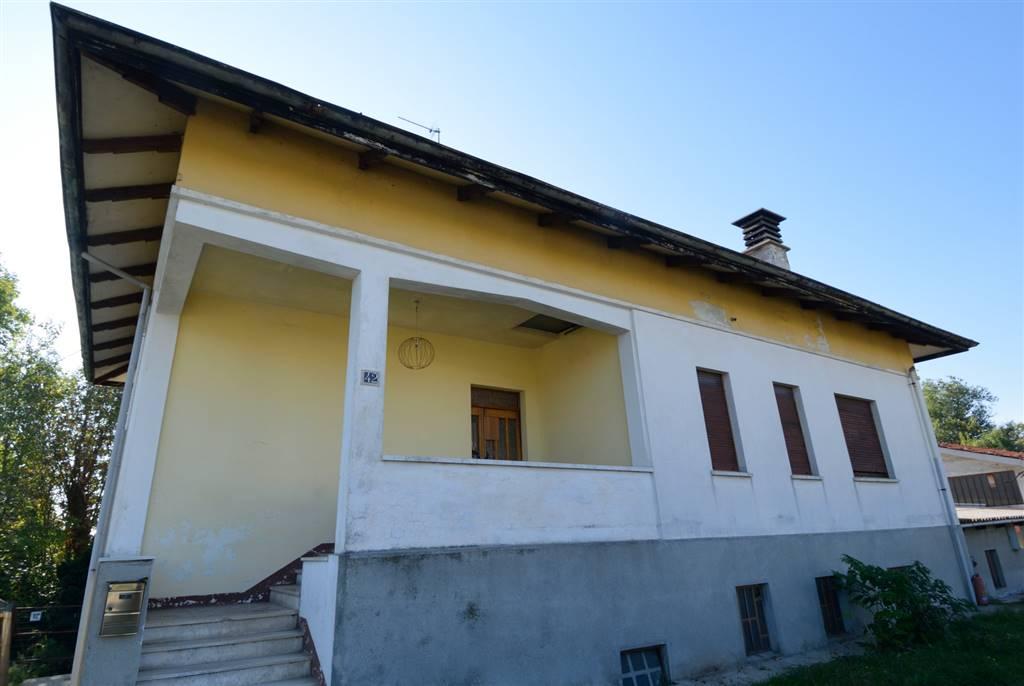 Soluzione Indipendente in vendita a Biella, 5 locali, prezzo € 150.000 | Cambio Casa.it