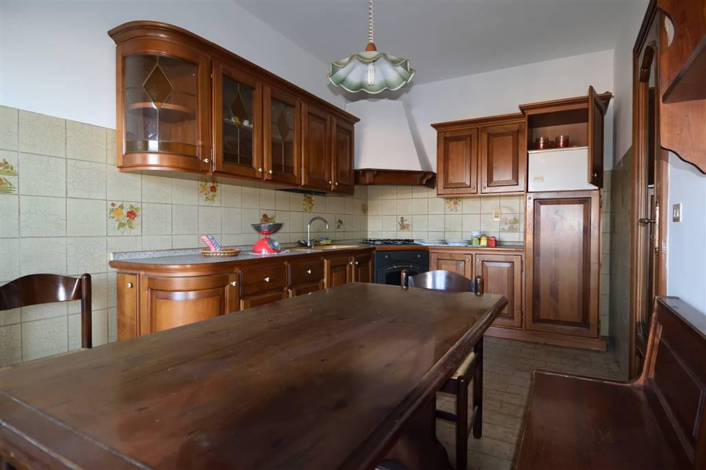 Appartamento in affitto a Vigliano Biellese, 5 locali, prezzo € 450   Cambio Casa.it