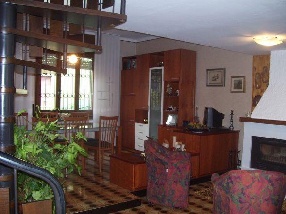 Soluzione Indipendente in vendita a Inzago, 6 locali, prezzo € 330.000 | Cambio Casa.it