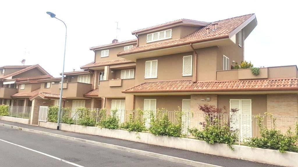 Appartamento in vendita a Inzago, 3 locali, zona Località: NAVIGLIO SUD, prezzo € 184.000 | CambioCasa.it