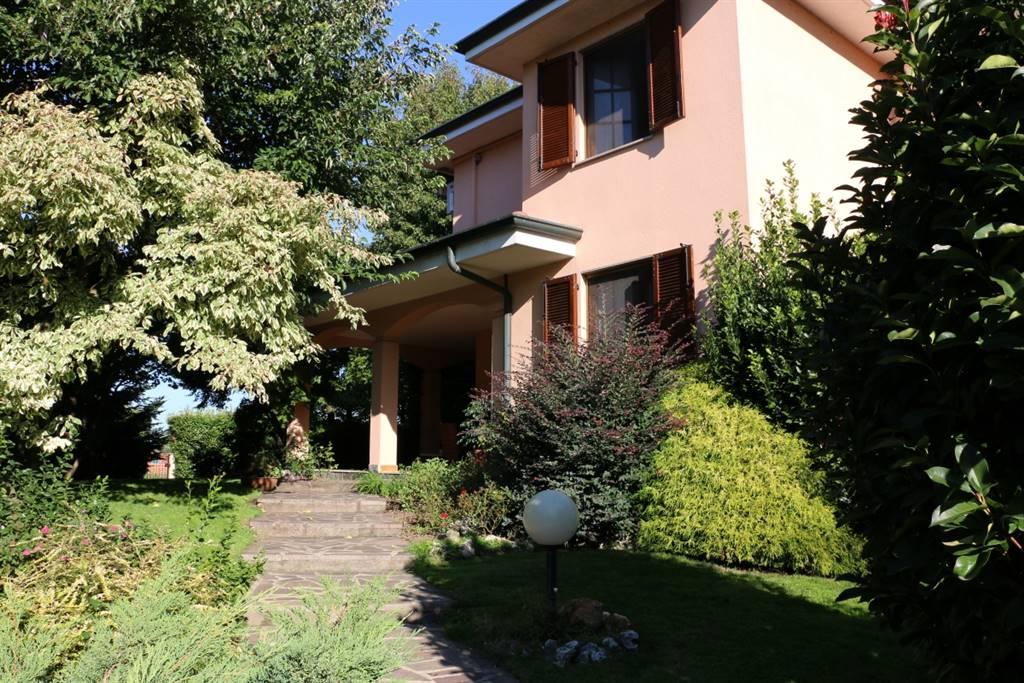 Villa in POZZUOLO MARTESANA 305 Sq. mt. | 5 Rooms | Garden 800 Sq. mt.