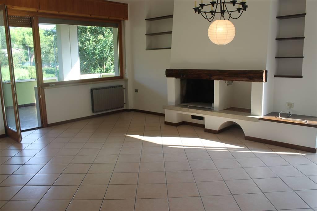 Appartamento in affitto a Verona, 7 locali, zona Zona: 5 . Quinzano - Pindemonte - Ponte Crencano - Valdonega - Avesa , prezzo € 1.480 | Cambio Casa.it
