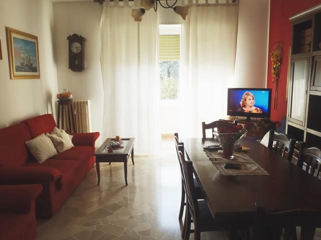 Appartamento in vendita a Carugate, 3 locali, prezzo € 160.000 | Cambio Casa.it