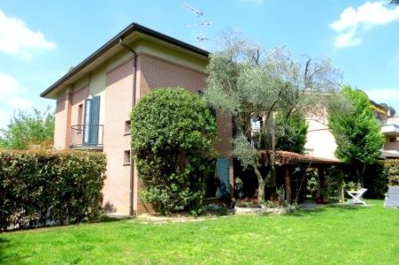 Villa in vendita a Carugate, 6 locali, prezzo € 720.000   Cambio Casa.it