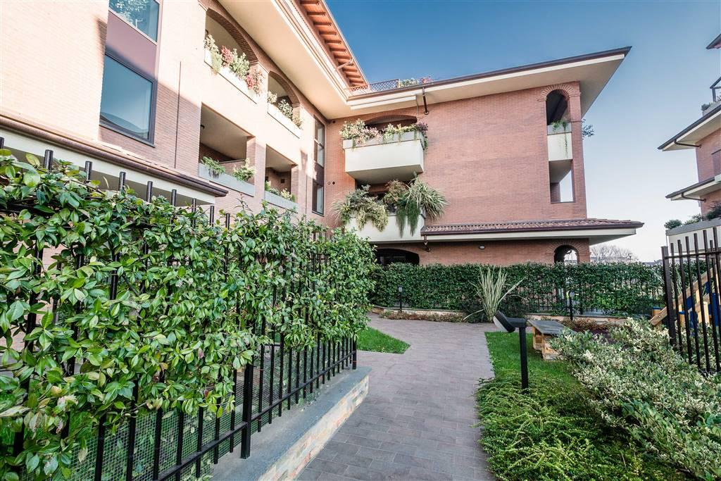 Appartamento in vendita a Carugate, 4 locali, prezzo € 349.000 | Cambio Casa.it