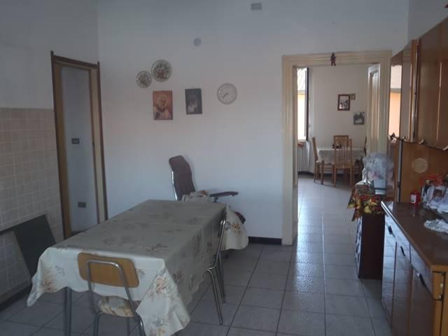 Appartamento in vendita a Carugate, 3 locali, prezzo € 90.000 | CambioCasa.it