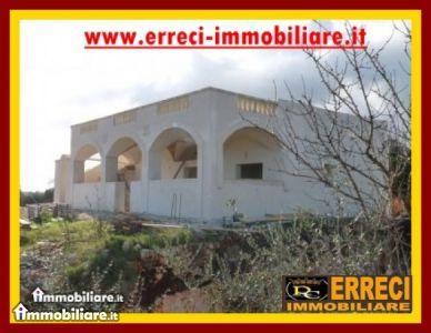 Villa vendita OSTUNI (BR) - 5 LOCALI - 155 MQ
