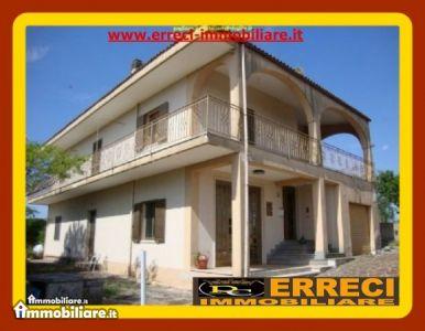 Villa vendita CISTERNINO (BR) - 5 LOCALI - 300 MQ