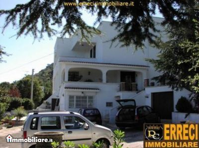 Villa vendita OSTUNI (BR) - 5 LOCALI - 230 MQ