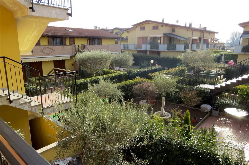 Appartamento in vendita a Truccazzano, 3 locali, zona Zona: Albignano, prezzo € 149.000 | Cambio Casa.it
