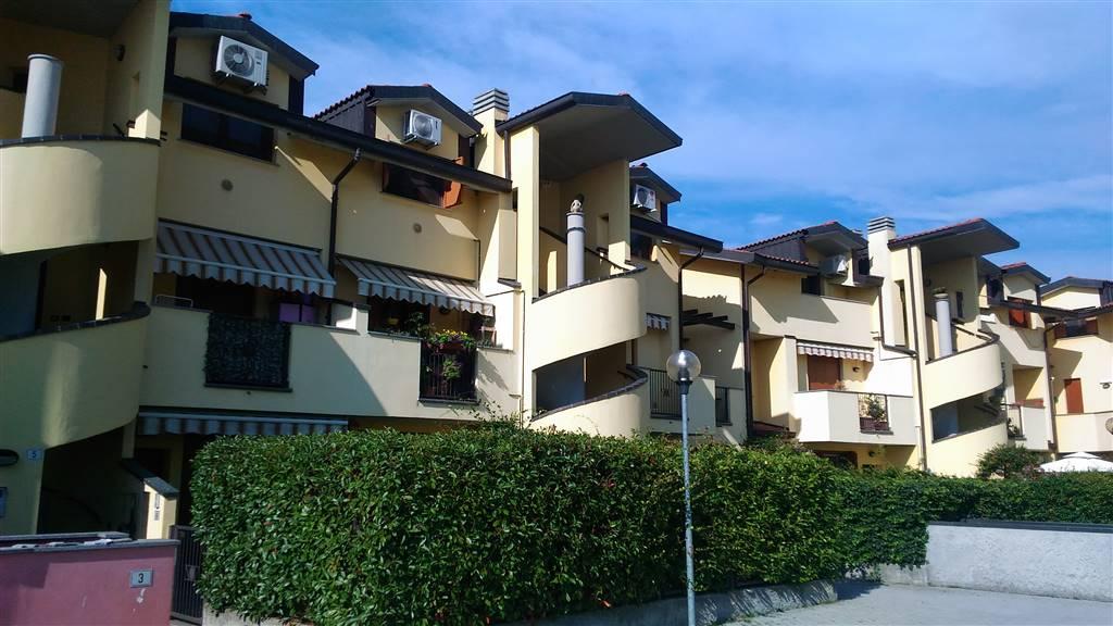 Appartamento in vendita a Truccazzano, 2 locali, zona Zona: Cavaione, prezzo € 95.000 | CambioCasa.it