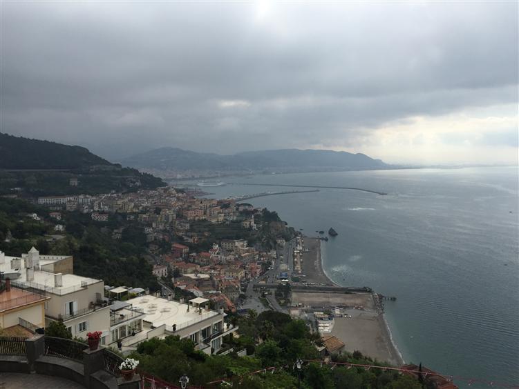 Appartamento in vendita a Vietri sul Mare, 5 locali, zona Zona: Raito, Trattative riservate | Cambio Casa.it
