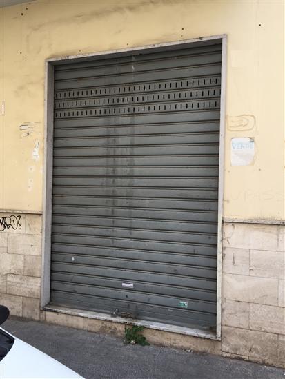 Negozio / Locale in vendita a Salerno, 1 locali, zona Zona: Carmine, prezzo € 55.000 | Cambio Casa.it