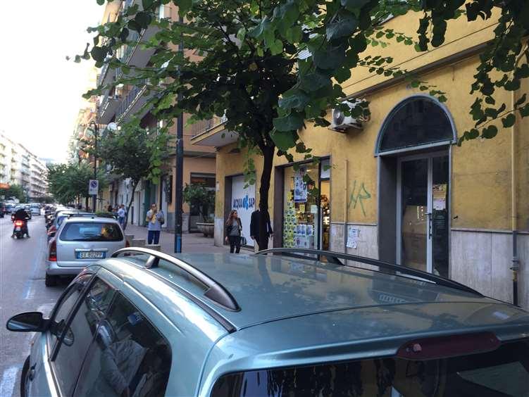 Attività / Licenza in affitto a Salerno, 9999 locali, zona Zona: Irno, Trattative riservate | Cambio Casa.it
