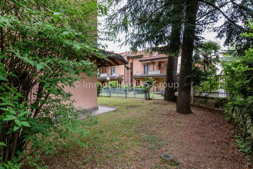 Villa in Vendita a Villasanta: 5 locali, 223 mq