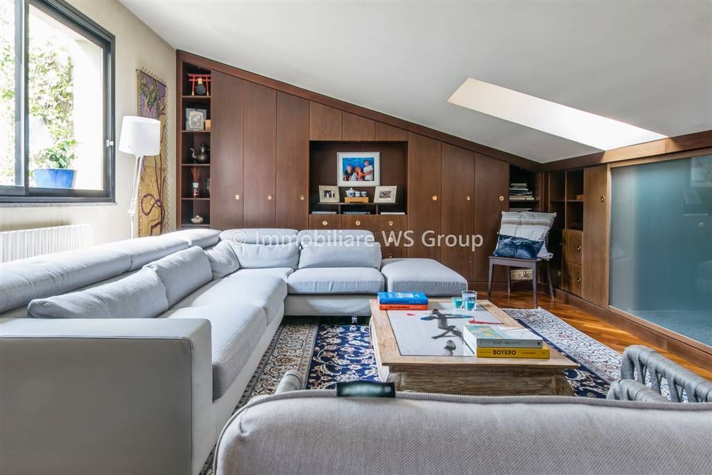 Appartamento in Vendita a Lissone: 4 locali, 236 mq