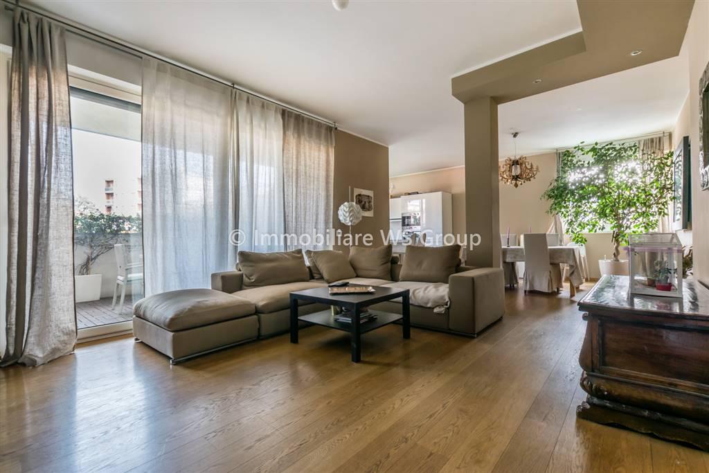 Appartamento in Vendita a Monza: 5 locali, 200 mq