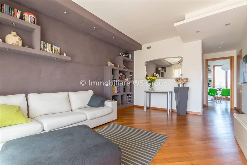Appartamento in Vendita a Monza: 3 locali, 115 mq