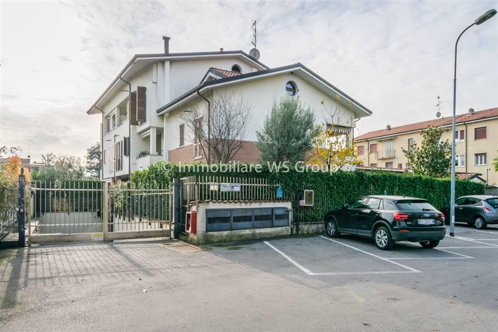 Appartamento in Vendita a Monza: 4 locali, 115 mq