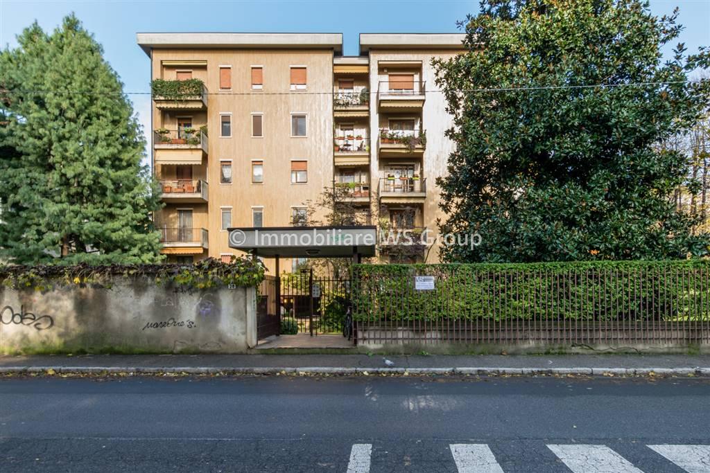 Appartamento in Vendita a Monza: 4 locali, 135 mq