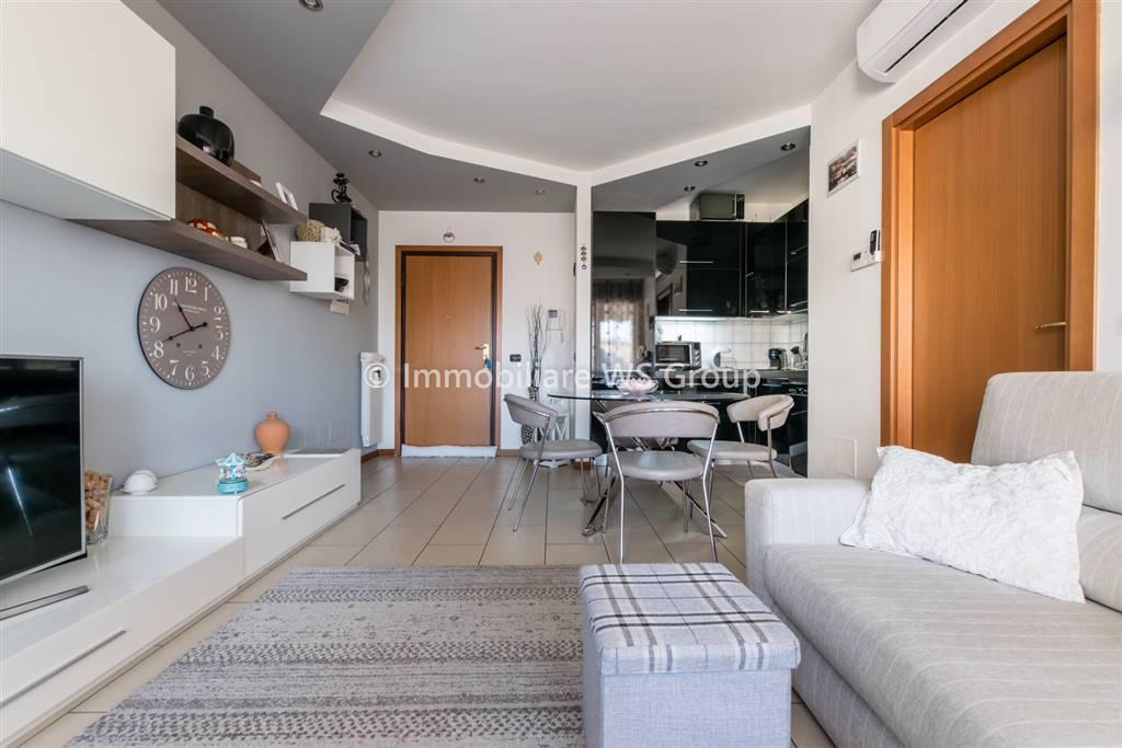 Appartamento in Vendita a Cesano Maderno: 2 locali, 60 mq