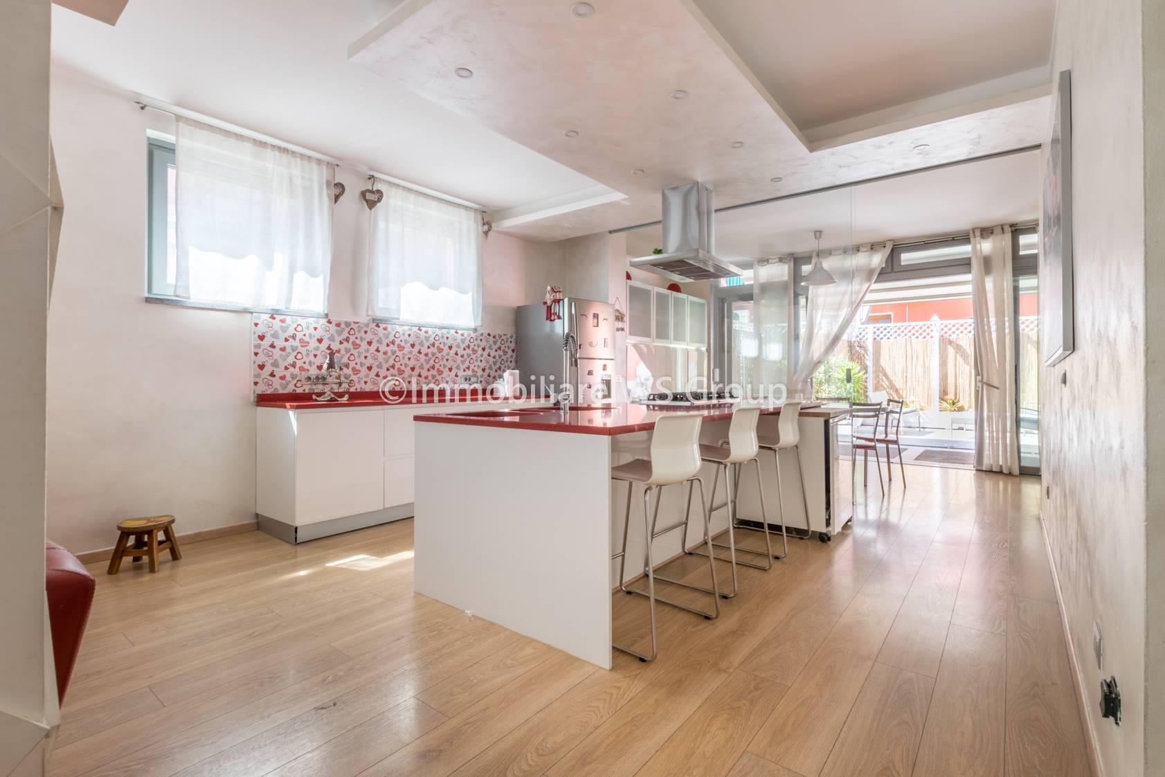Casa indipendente in Vendita a Lissone: 5 locali, 235 mq