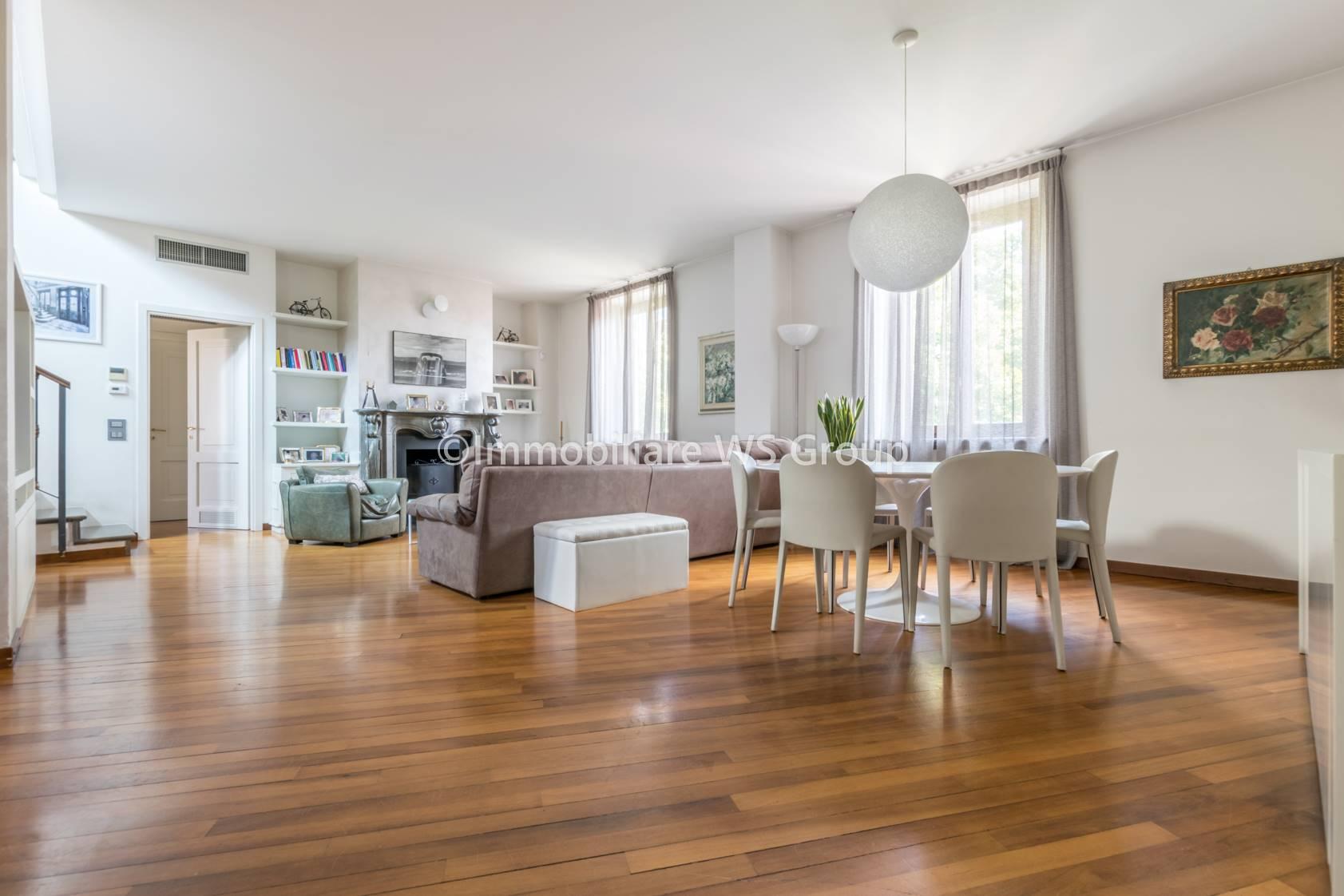Appartamento in Vendita a Monza: 5 locali, 280 mq