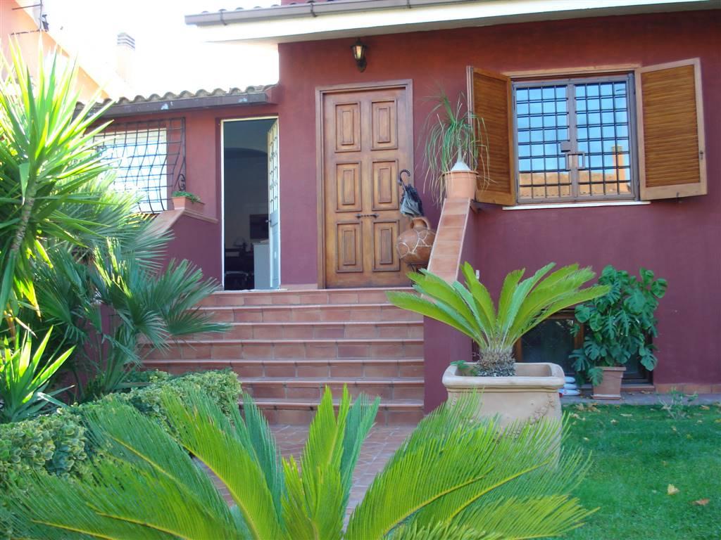 Villa in vendita a Ciampino, 5 locali, zona Località: LAGHI, prezzo € 485.000   CambioCasa.it