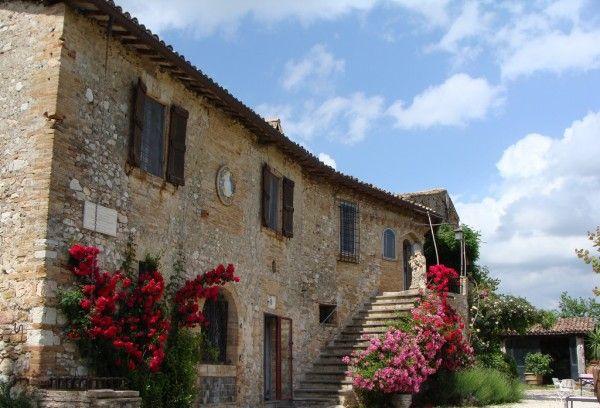 Soluzione Indipendente in vendita a Spoleto, 20 locali, Trattative riservate | Cambio Casa.it