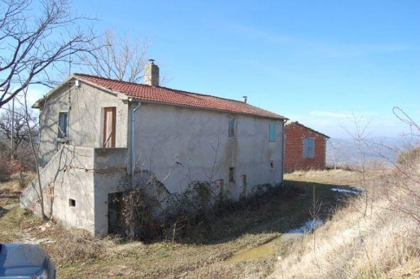 Rustico / Casale in vendita a Gualdo Tadino, 8 locali, zona Zona: Cerqueto, prezzo € 160.000 | Cambio Casa.it