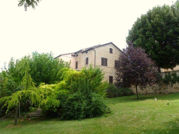 Villa in vendita a San Lorenzo in Campo, 20 locali, prezzo € 480.000 | Cambio Casa.it