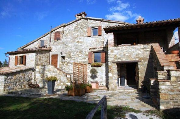 Agriturismo in vendita a Pietralunga, 9999 locali, prezzo € 1.100.000 | Cambio Casa.it