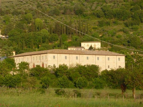 Attività / Licenza in vendita a Trevi, 25 locali, zona Zona: Parrano, Trattative riservate | Cambio Casa.it