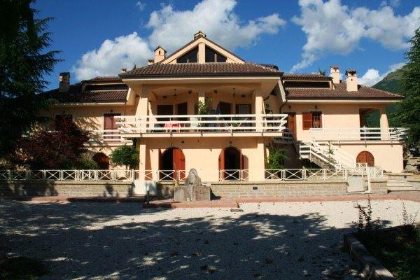 Appartamento in vendita a Norcia, 2 locali, prezzo € 87.000 | Cambio Casa.it