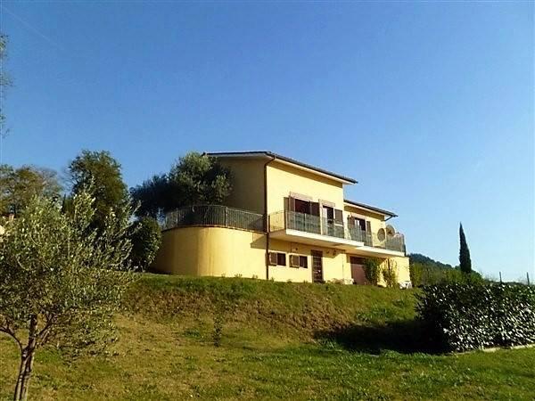 Villa in vendita a Selci, 7 locali, prezzo € 239.000 | Cambio Casa.it