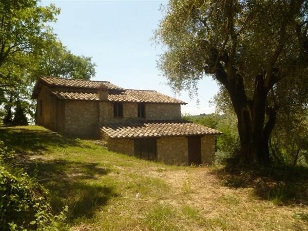 Rustico / Casale in vendita a Torri in Sabina, 10 locali, prezzo € 170.000 | CambioCasa.it