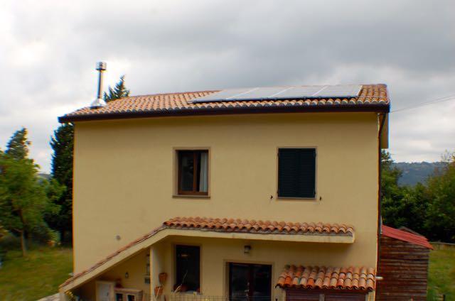 Soluzione Indipendente in vendita a Gubbio, 8 locali, zona Località: BELVEDERE, prezzo € 210.000 | CambioCasa.it