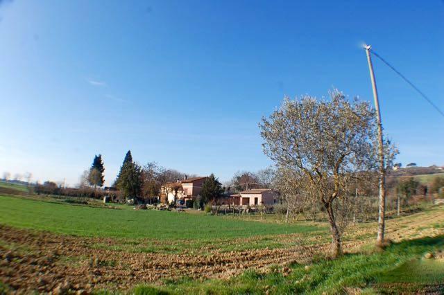 Villa Bifamiliare in Vendita a Perugia