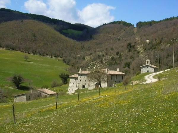 Agriturismo in vendita a Spoleto, 22 locali, zona Località: VALLOCCHIA, prezzo € 1.150.000 | Cambio Casa.it