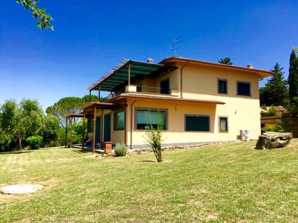 Villa in vendita a Sutri, 12 locali, prezzo € 470.000 | CambioCasa.it