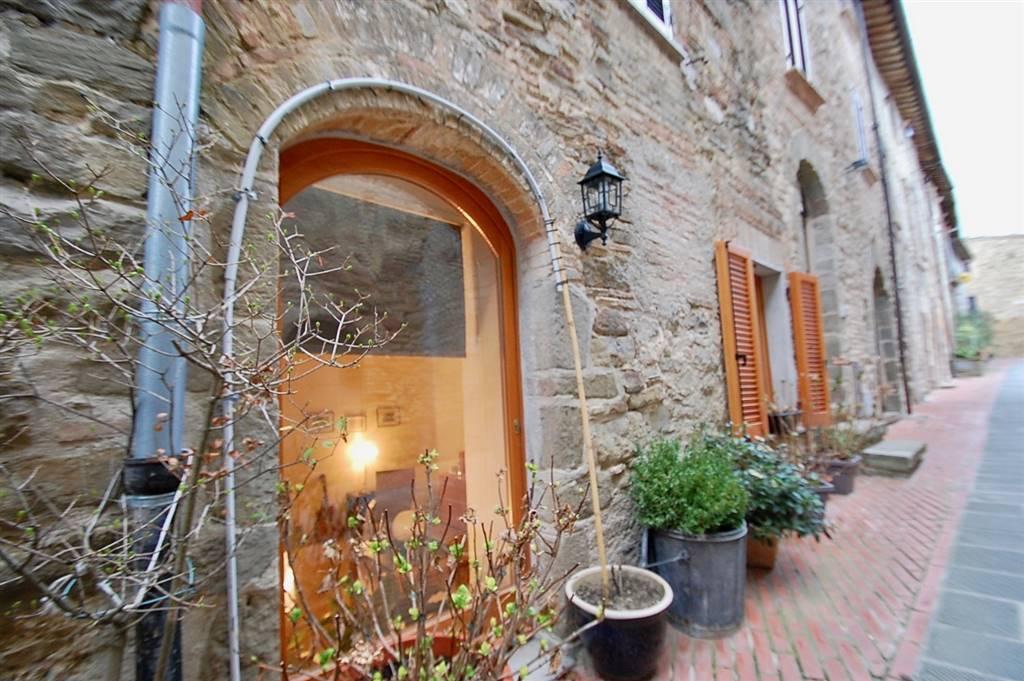 Soluzione Indipendente in vendita a Cannara, 7 locali, zona Zona: Collemancio, prezzo € 168.500 | Cambio Casa.it