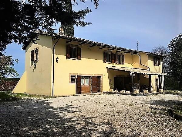 Rustico / Casale in Vendita a Spoleto