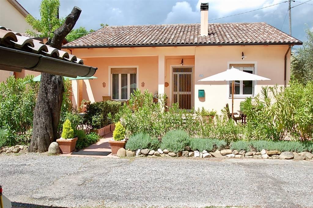 Soluzione Indipendente in vendita a Mombaroccio, 10 locali, prezzo € 259.000 | CambioCasa.it