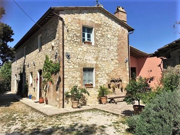 Rustico / Casale in vendita a Amelia, 11 locali, zona Zona: Montecampano, prezzo € 580.000 | CambioCasa.it