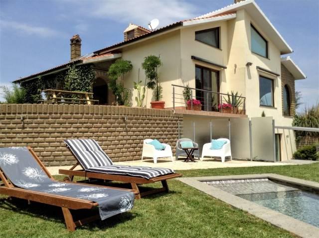Villa in vendita a Valentano, 9 locali, prezzo € 530.000 | CambioCasa.it