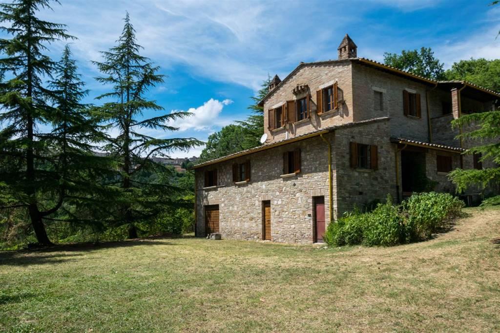 Rustico-casale  in Vendita a Perugia