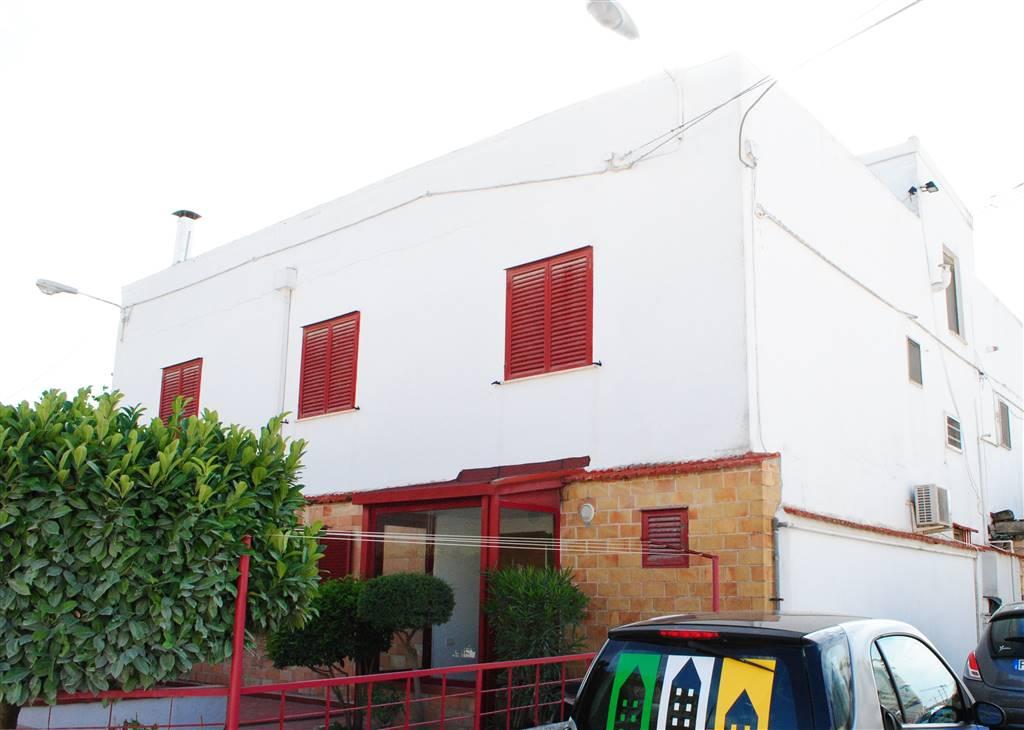 Soluzione Indipendente in vendita a Matera, 6 locali, zona Zona: Semicentro Nord, prezzo € 290.000 | Cambio Casa.it