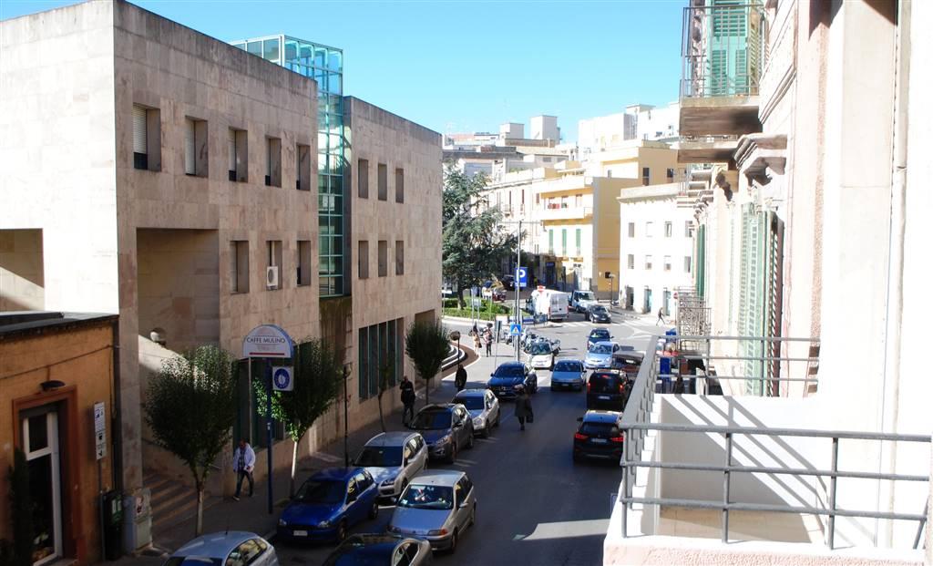 Ufficio / Studio in affitto a Matera, 4 locali, zona Zona: Centro storico, prezzo € 800 | Cambio Casa.it