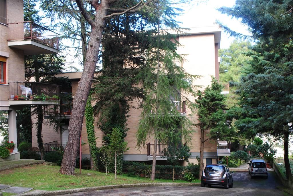 Quadrilocale in Via Castello 22, Semicentro Sud, Matera